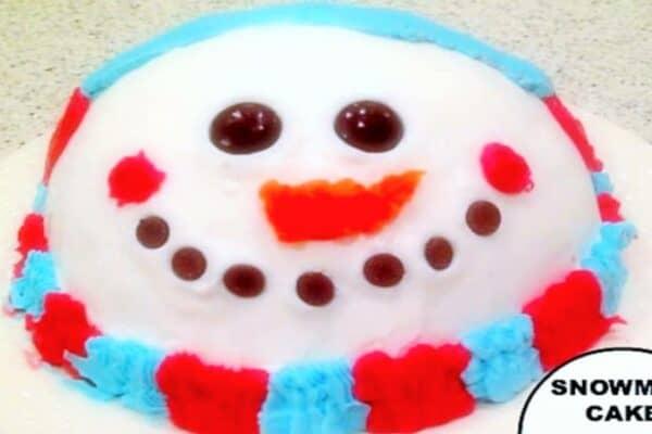 snowman face Christmas cake