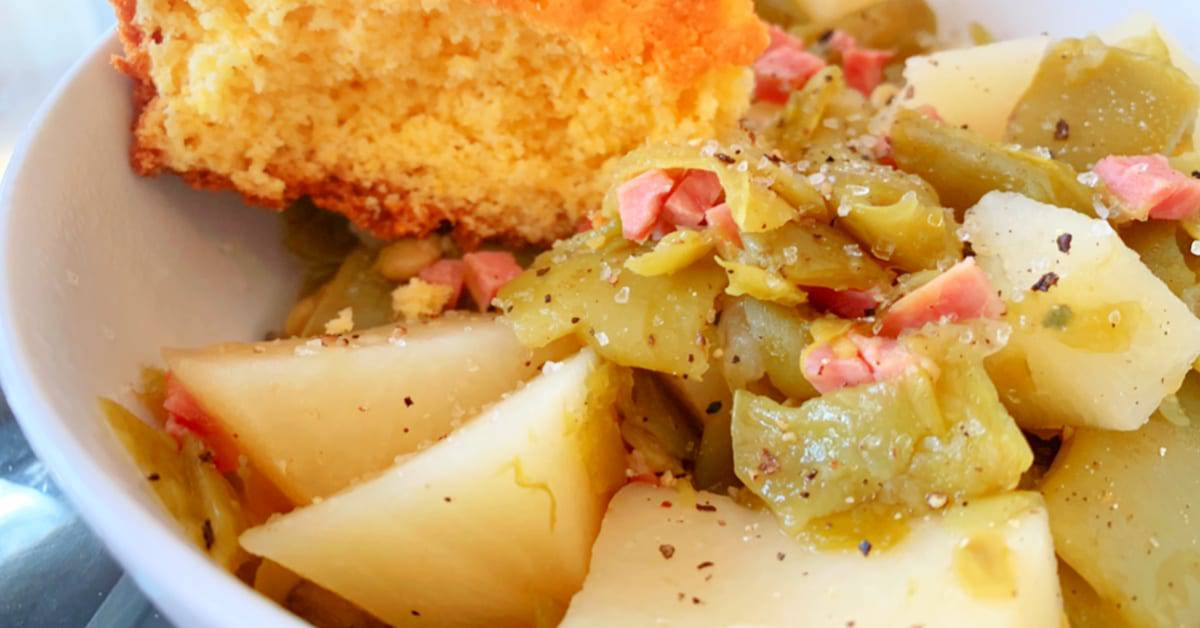 Green beans and potatoes in crockpot