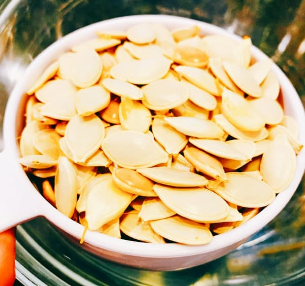 Drying Pumpkin Seeds For Roasting and Eating